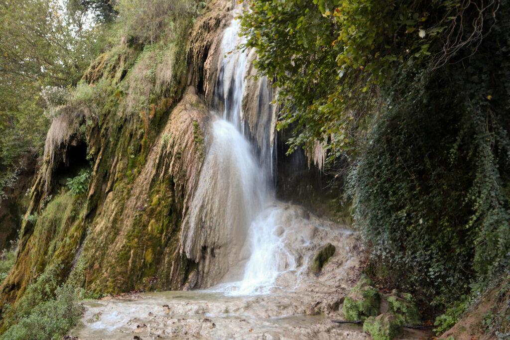 La cascada Clocota cu rulota